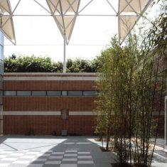 Albert Sport & Cultral Centre: Entrance square