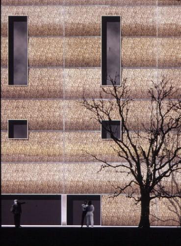 Tower Bridge Theatre: Flank wall, gabion, stainless steel mesh