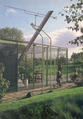 Fluy House - solar energy systems 1976